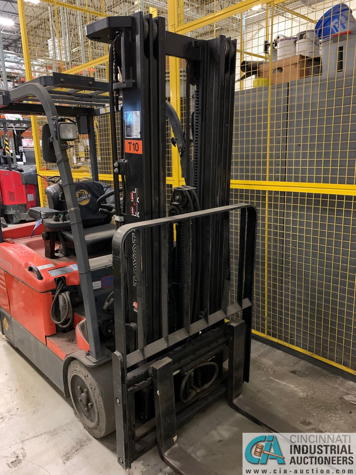 4,000 LB. TOYOTA MODEL 7FBEU20 SIT DOWN ELECTRIC LIFT TRUCK; S/N 23608 (OUT OF SERVICE) (5400 OAKLEY - Image 6 of 9