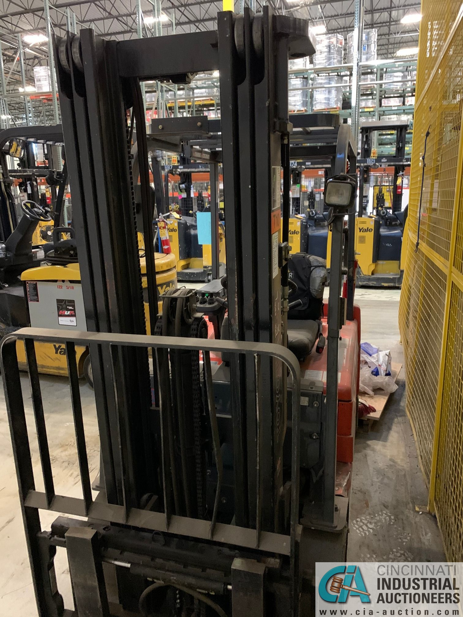 4,000 LB. TOYOTA MODEL 7FBEU20 SIT DOWN ELECTRIC LIFT TRUCK; S/N 23608 (OUT OF SERVICE) (5400 OAKLEY - Image 7 of 9