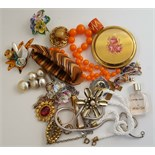 Parcel of Vintage Retro Costume Jewellery