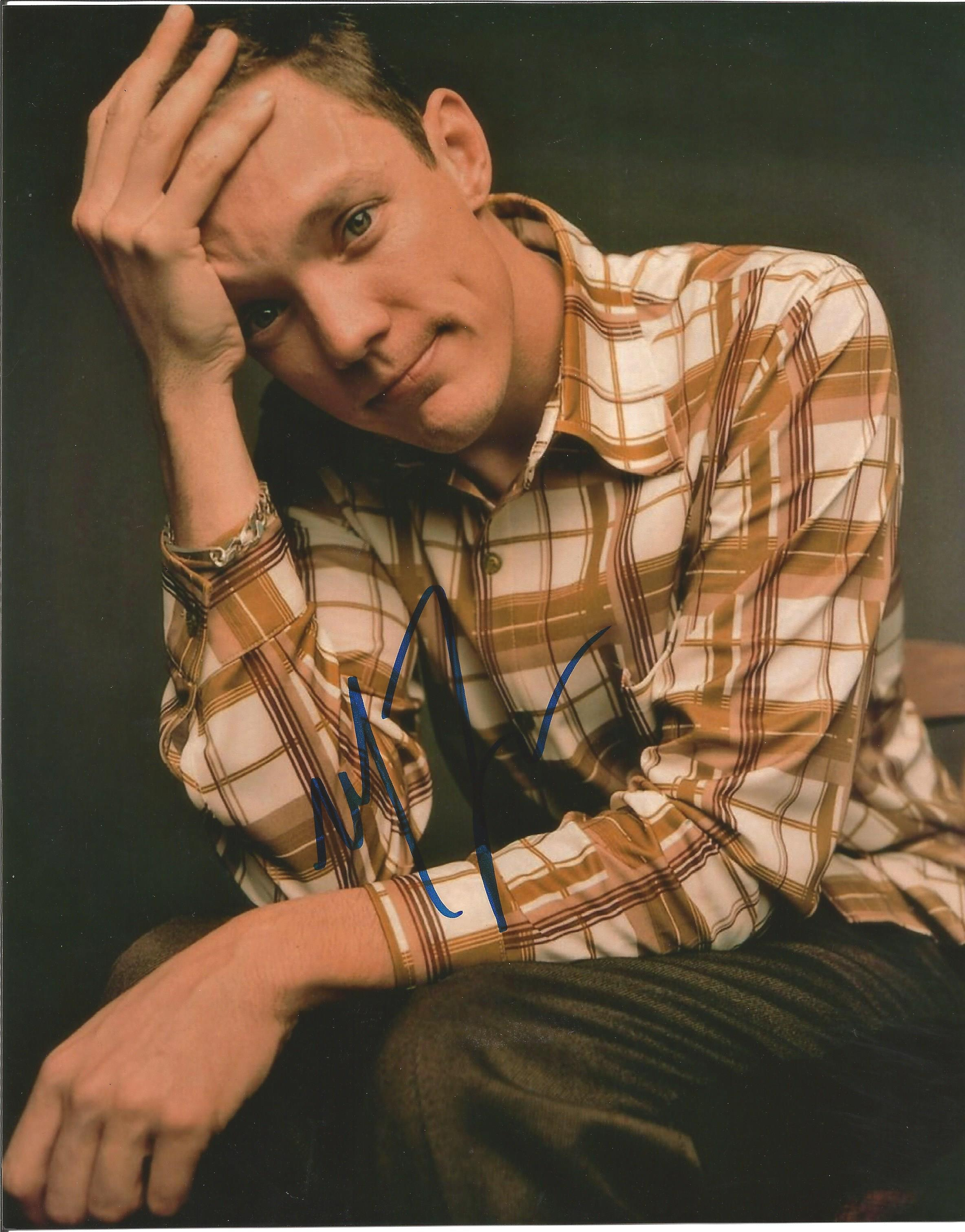 Lot 56 - Matthew Lillard signed 10 x 8 colour Photoshoot Portrait Photo, from in person collection