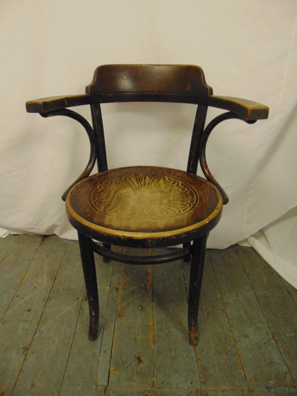 Lot 29 - A 1930s Bentwood occasional armchair on four outswept legs
