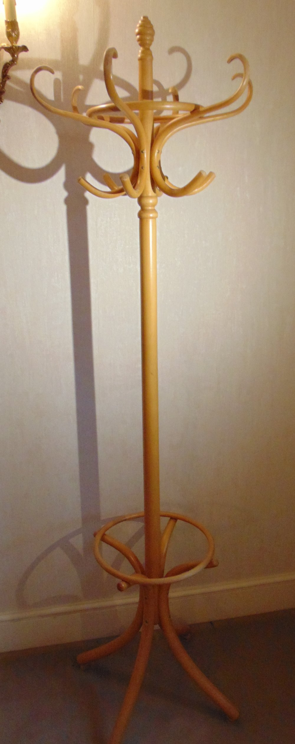 Lot 23 - A Bentwood hat and coat stand of customary form
