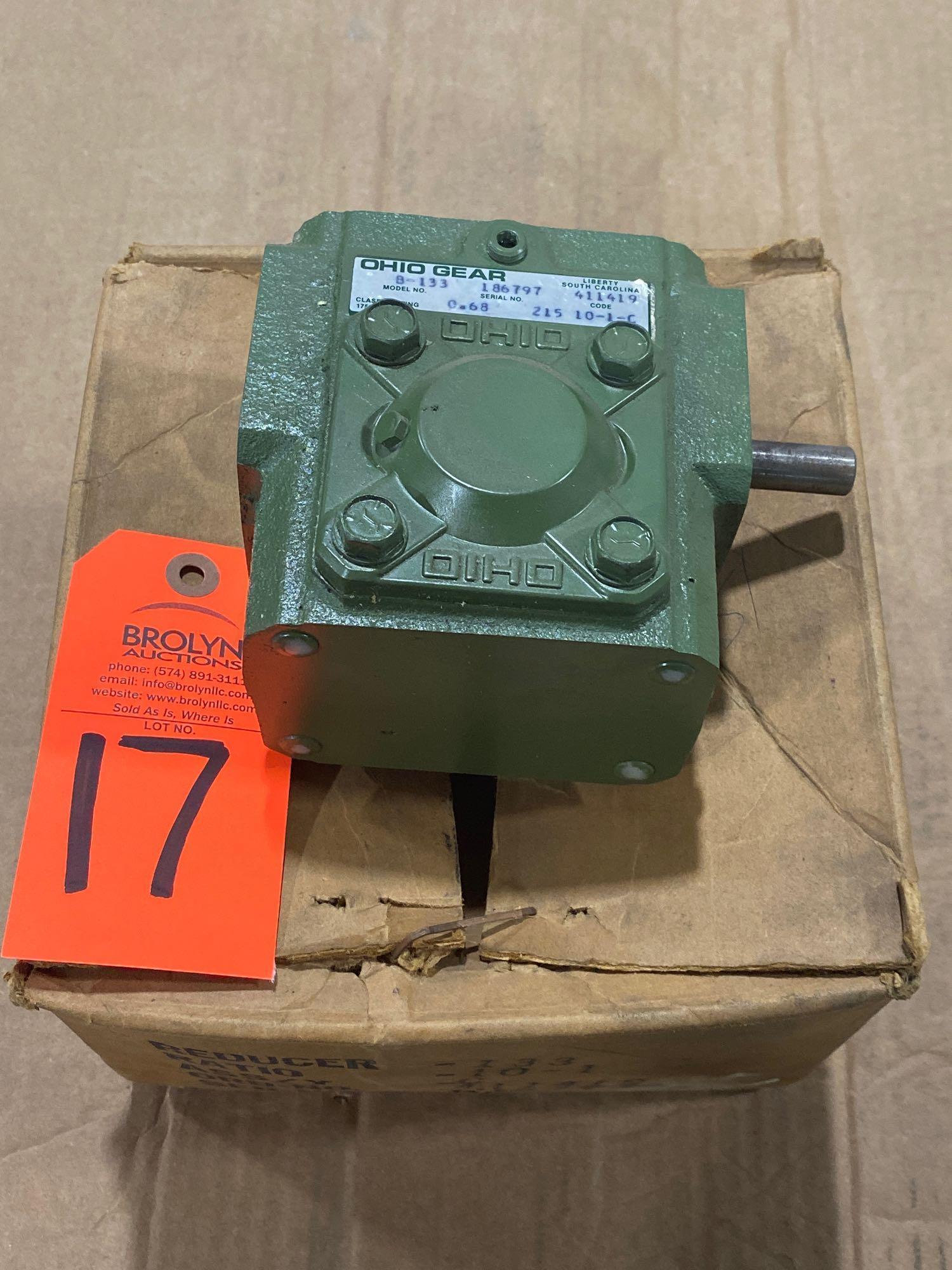 Lot 17 - Ohio Gear model B-133 gearbox. 10:1 ratio. New in box.