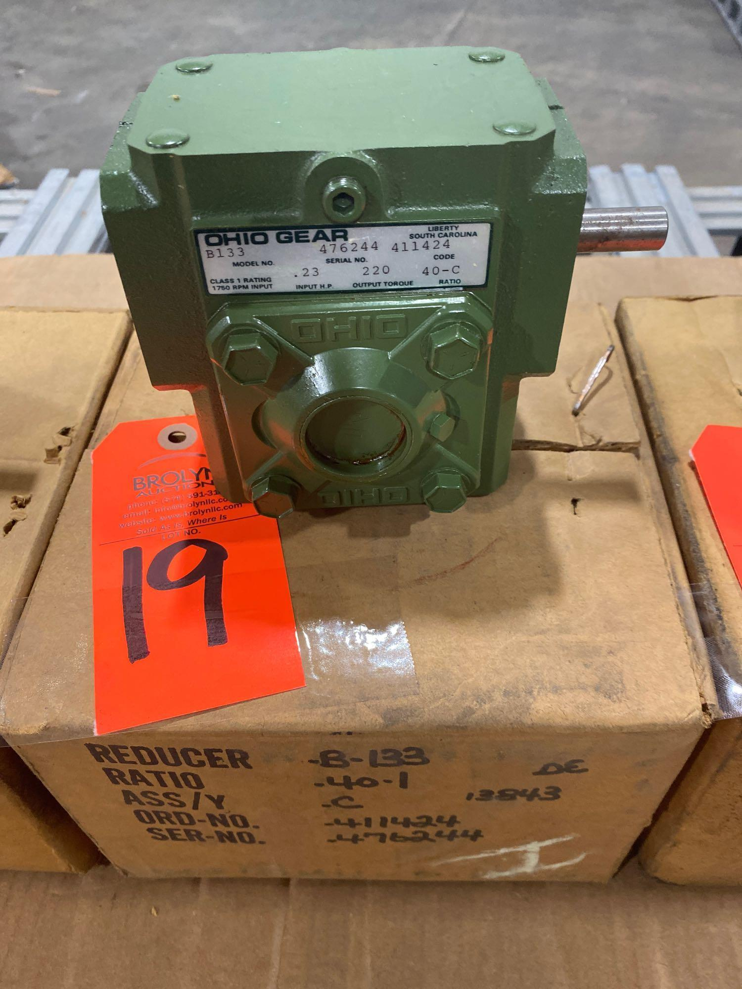 Lot 19 - Ohio Gear model B-133 gearbox. 40-C ratio. New in box.