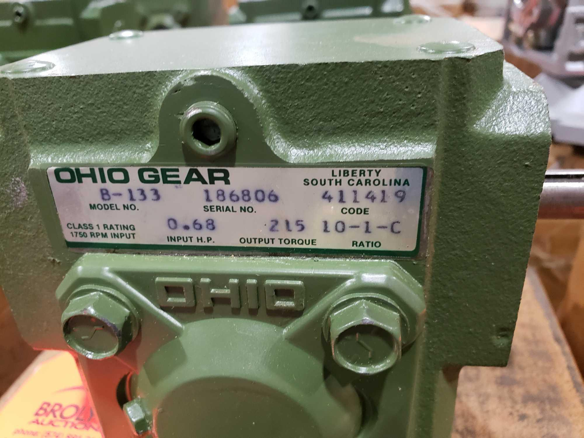 Lot 28 - Ohio Gear model B-133 gearbox. 10-1 C ratio. New in box.