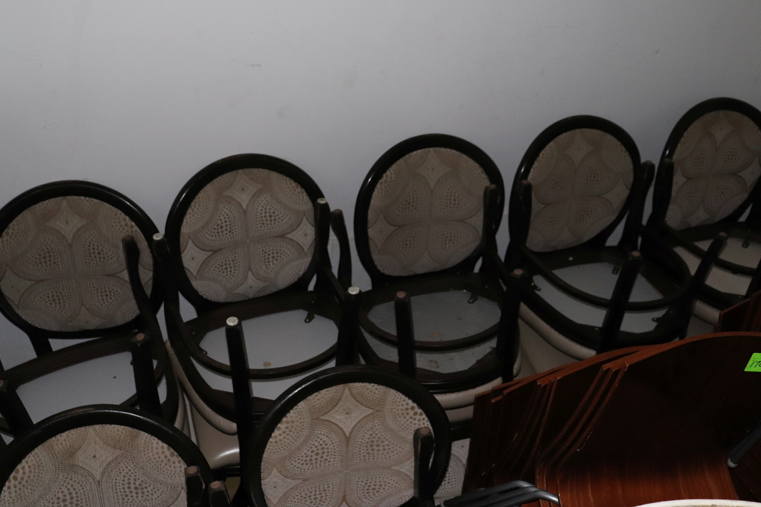 Lot 174 - 16 Chairs
