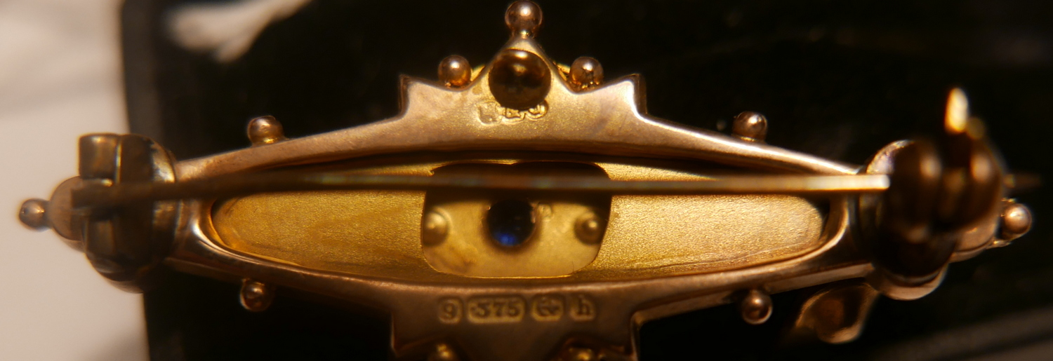 Lot 12 - Antique Gold-Sapphire and Seed Pearl Bar Brooch approx 4 grams.