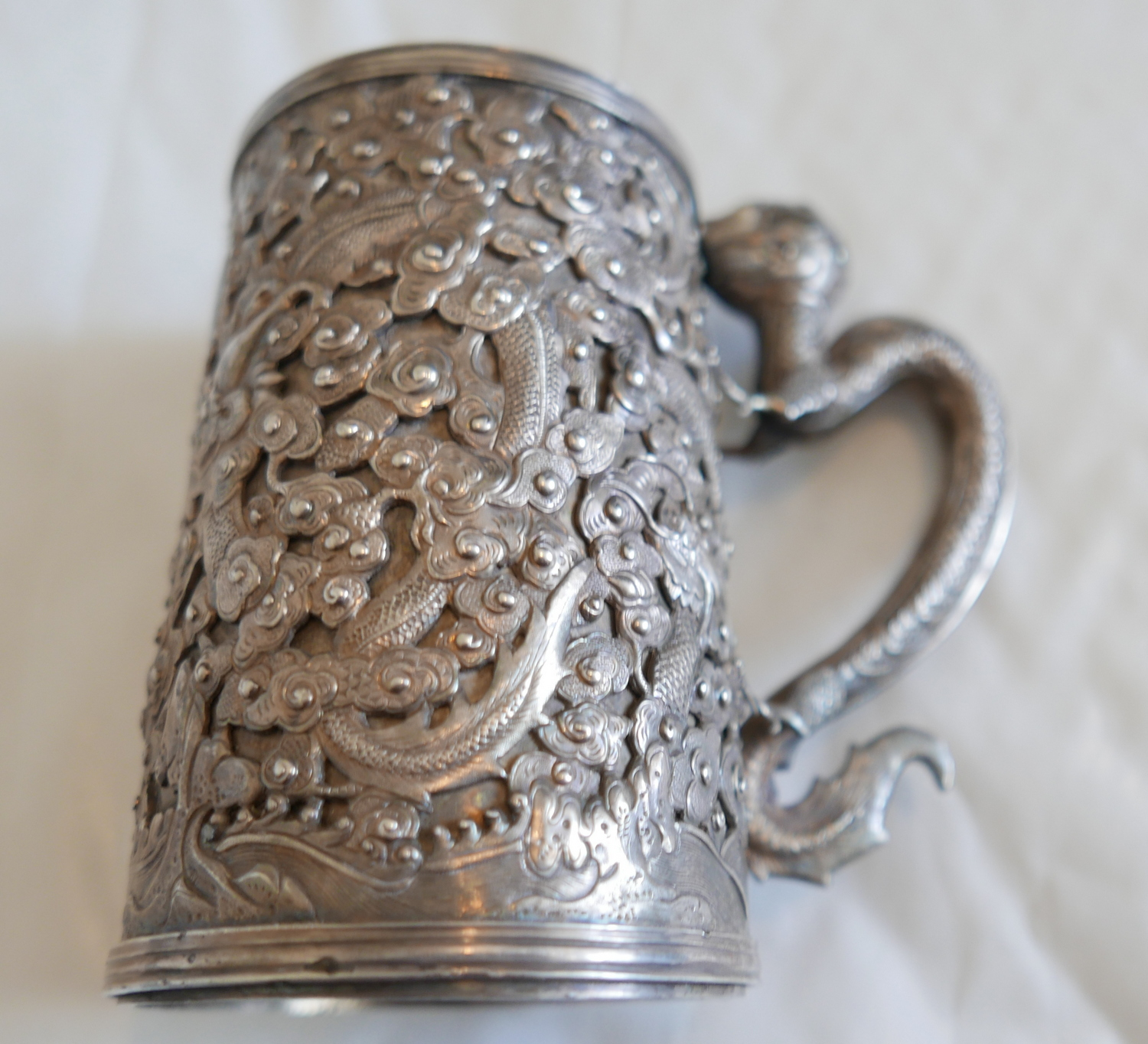 """Lot 57 - Antique c1880-1900 Chinese Silver Tankard 4 5/8"""" (11mm) tall with Dragon Handle-327 grams."""