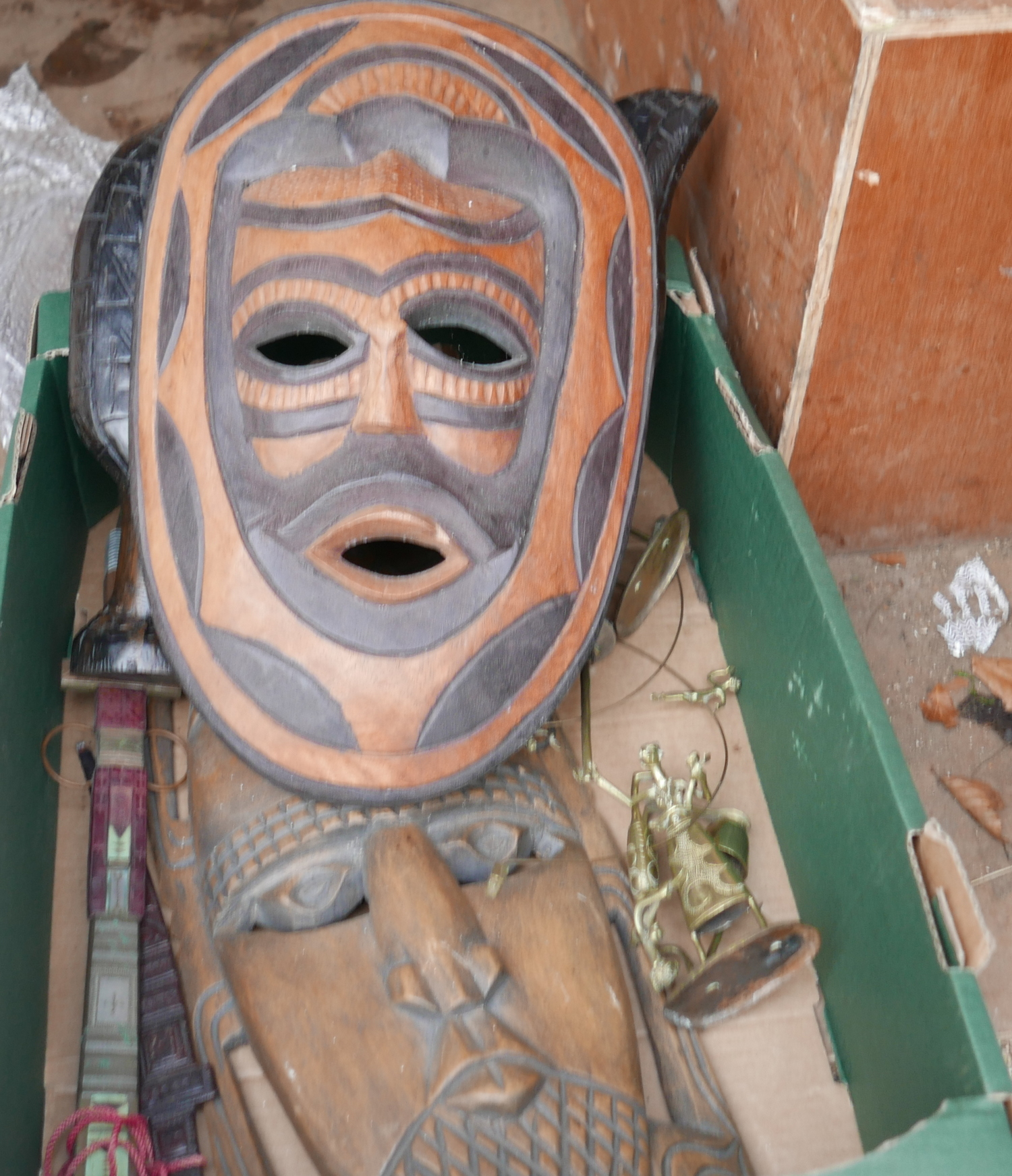 Lot 50N - Lot of African Face Mask - Knives and Metalware etc.