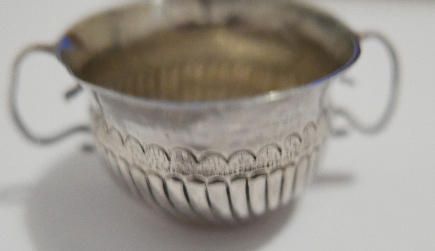 Lot 8 - Antique George 1st Babies Silver Porringer hallmarked for London 1716 - 45mm diameter