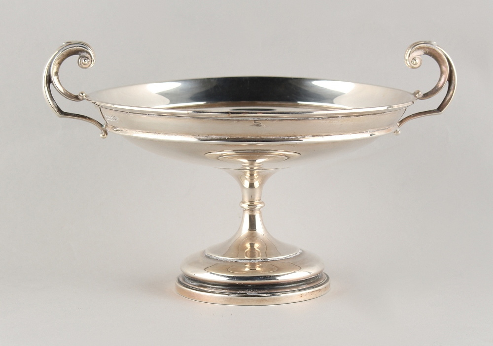 Lot 247 - Property of a deceased estate - an early 20th century silver two-handled pedestal dish, Walker &