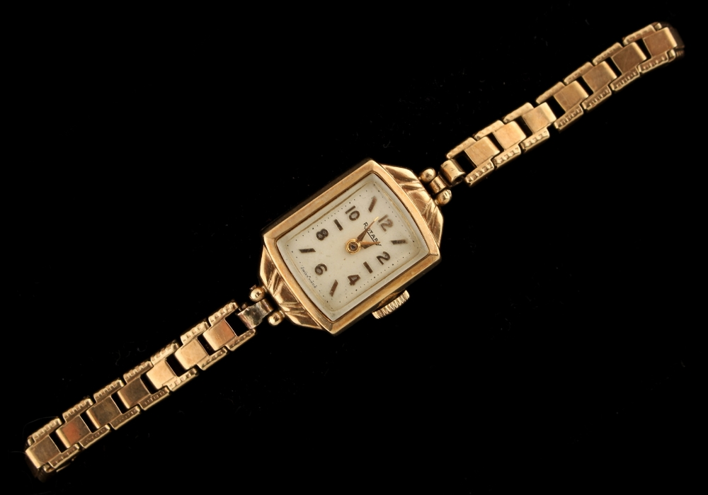 Property of a deceased estate - a lady's Rotary 9ct yellow gold cased wristwatch on 9ct yellow