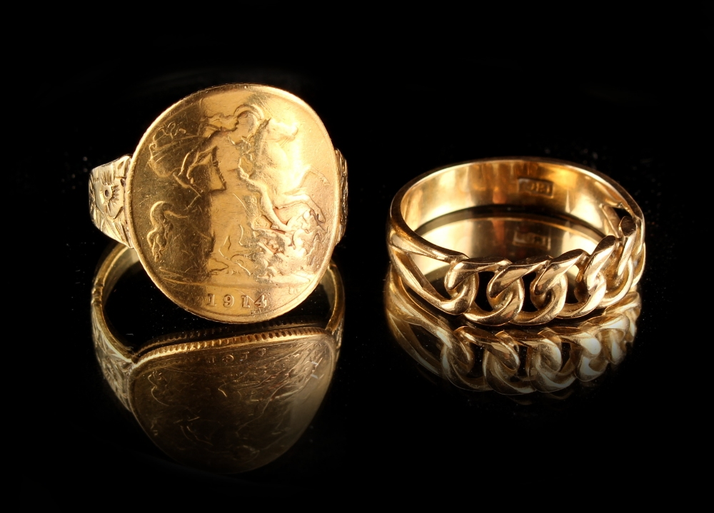 Lot 102 - Property of a lady - an 18ct gold & George V 1914 half sovereign ring; together with an 18ct gold