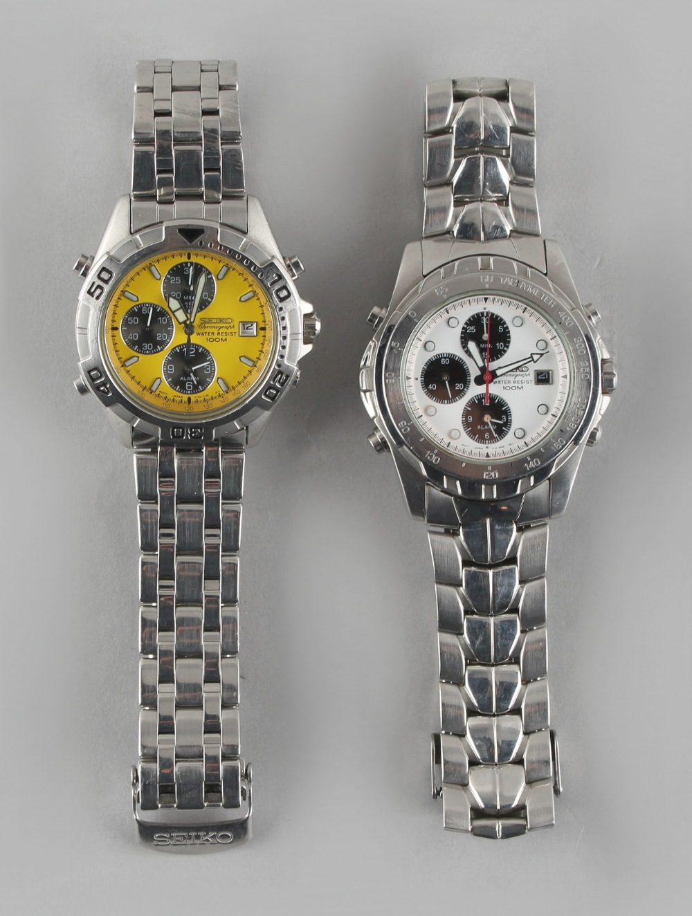 Two gentleman's Seiko stainless steel cased 7T32 Chronograph Water Resist 100M wristwatches (2).