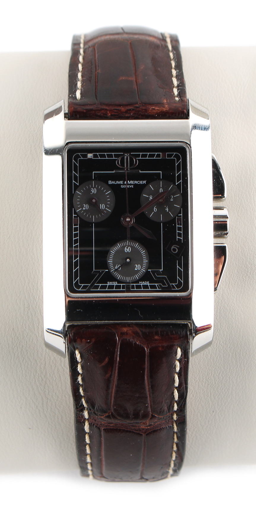 Lot 3 - Property of a gentleman - a gentleman's Baume & Mercier Hampton chronograph wristwatch, in