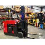 RAYMOND 640TT ELECTRIC FORKLIFT, 36V, 4000LB CAPACITY, TILT, SIDESHIFT, RUNS AND OPERATES