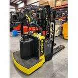 2018 HYSTER ELECTRIC PALLET JACK MODEL B60ZHD, 6,000 LB CAPACITY, 24V, 539 HOURS SHOWING, RUNS AND O