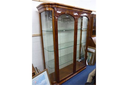 A Modern Italian Style Inlaid Two Door Display Cabinet With