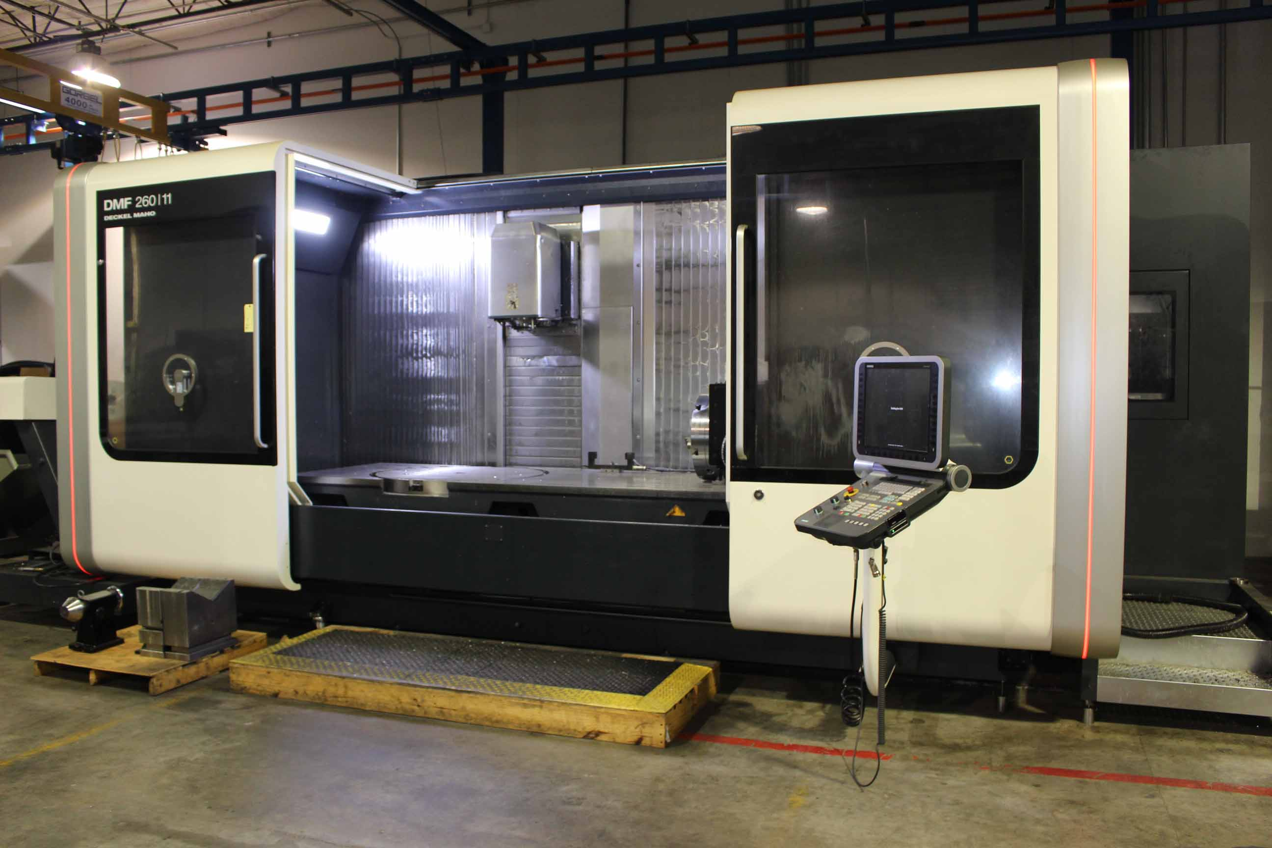 Lot 21 - TRAVELING COLUMN VERTICAL MACHINING CENTER, DECKEL MAHO MDL. DMF260/11, new 2013, Siemens ERGOline