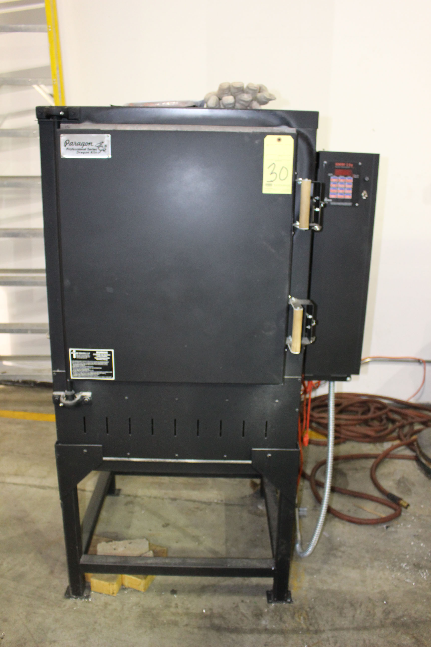Lot 30 - CABINET KILN, PARAGON PROFESSIONAL SERIES DRAGON 24 MDL. 706111BACD, Sentry 2.0 microprocessor, 2,