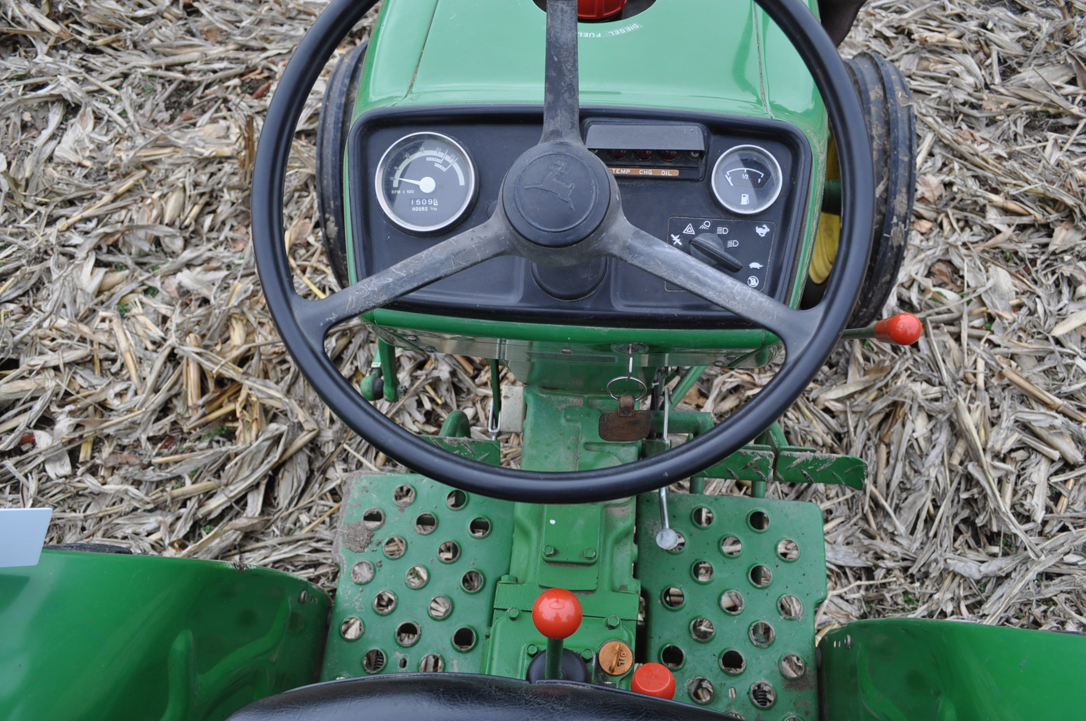 John Deere 850 utility tractor, diesel, 12.4-24 rear, 5.00-16 front, 2 hyd remotes, 3 pt, 540 pto, - Image 11 of 13