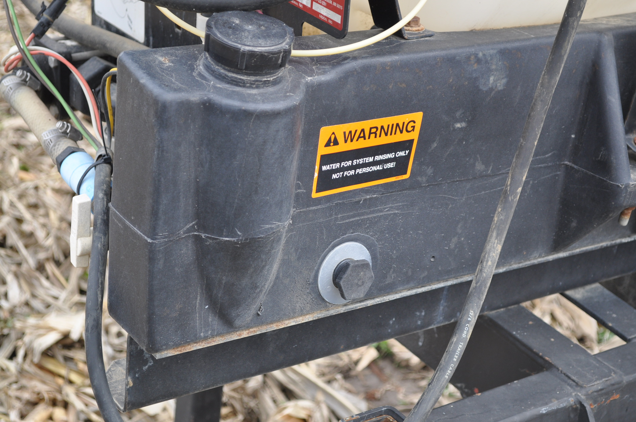 Redball 110 gallon poly tankw/ 12 volt pump, 3 pt. - Image 7 of 10
