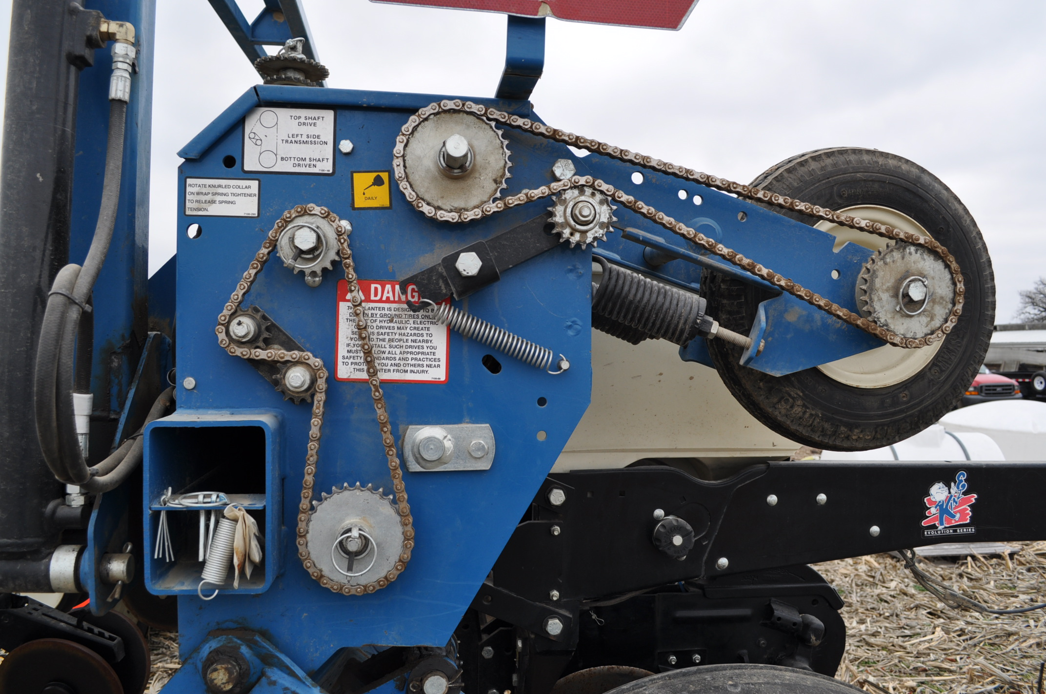 Kinze 3600TR planter, 12/24 twin row, Martin row cleaners, markers, finger pick up, cast closing - Image 13 of 20