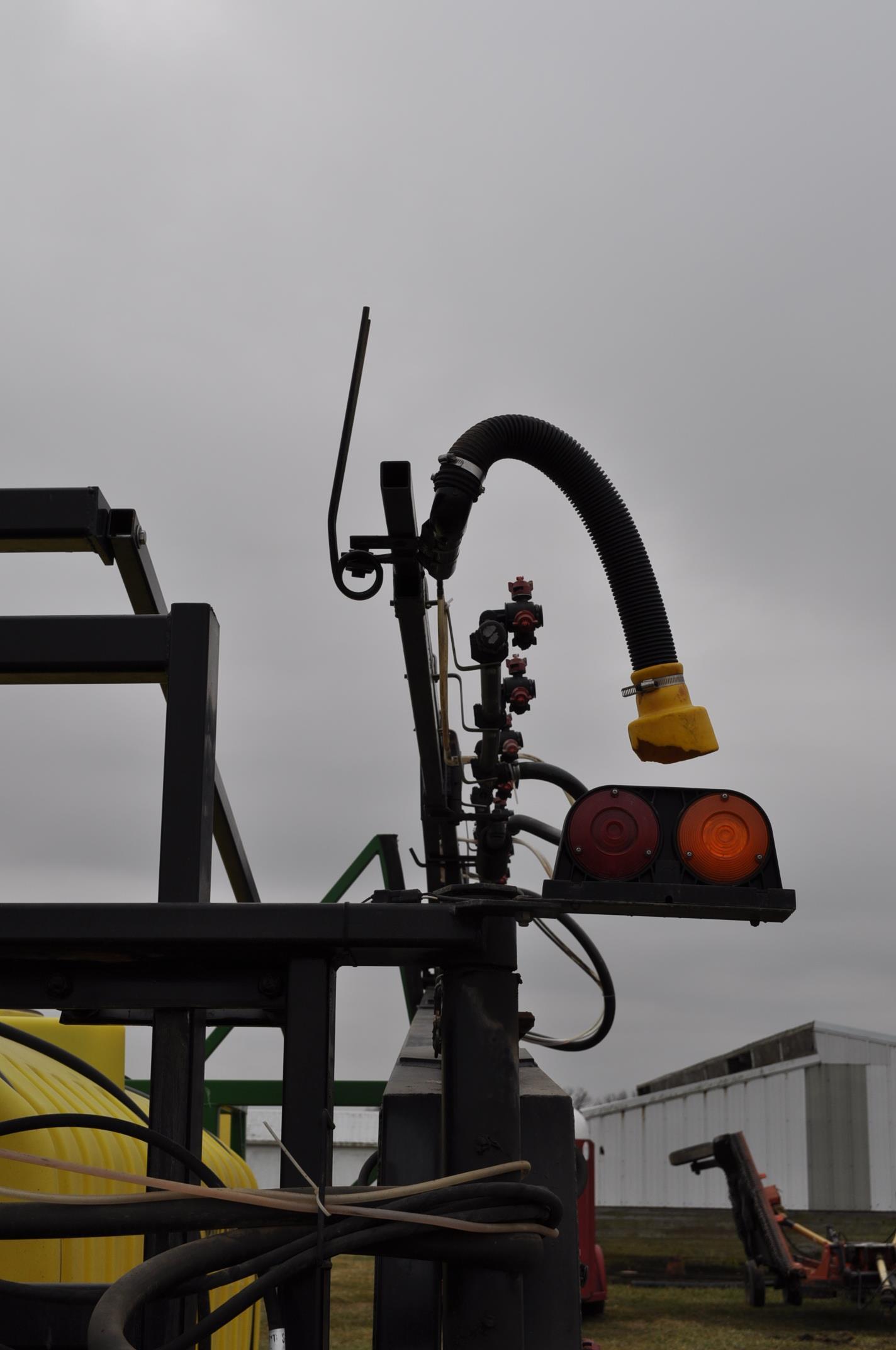 60' Spray King 1090 sprayer, 1000 gal poly tank, 100 gal rinse tank, foam marker, inductor, hyd - Image 18 of 21