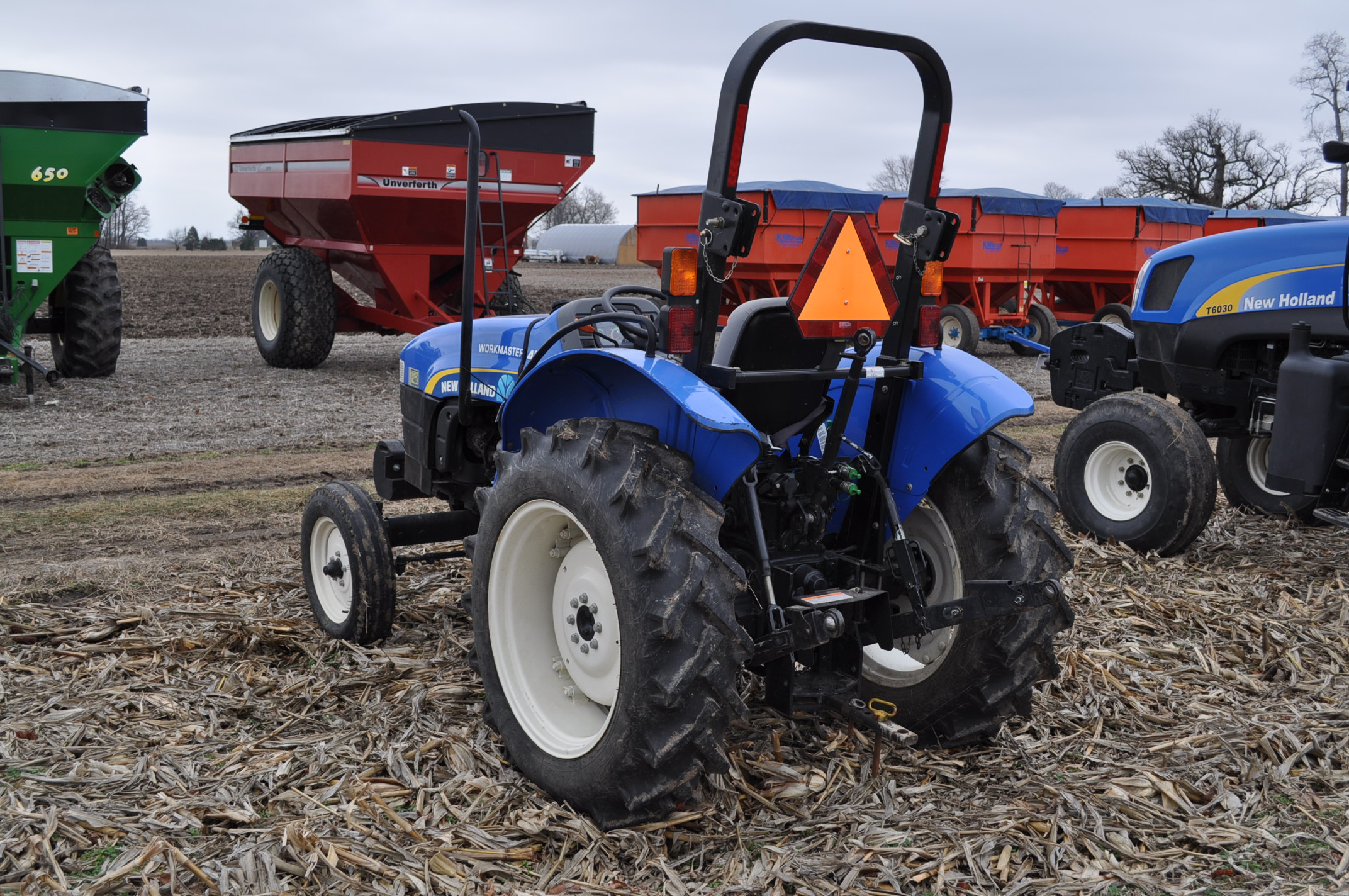New Holland Workmaster 45 tractor, front wts, 12.4/11-28 rear, 6.00-16 front, shuttle shift, diesel, - Image 2 of 14