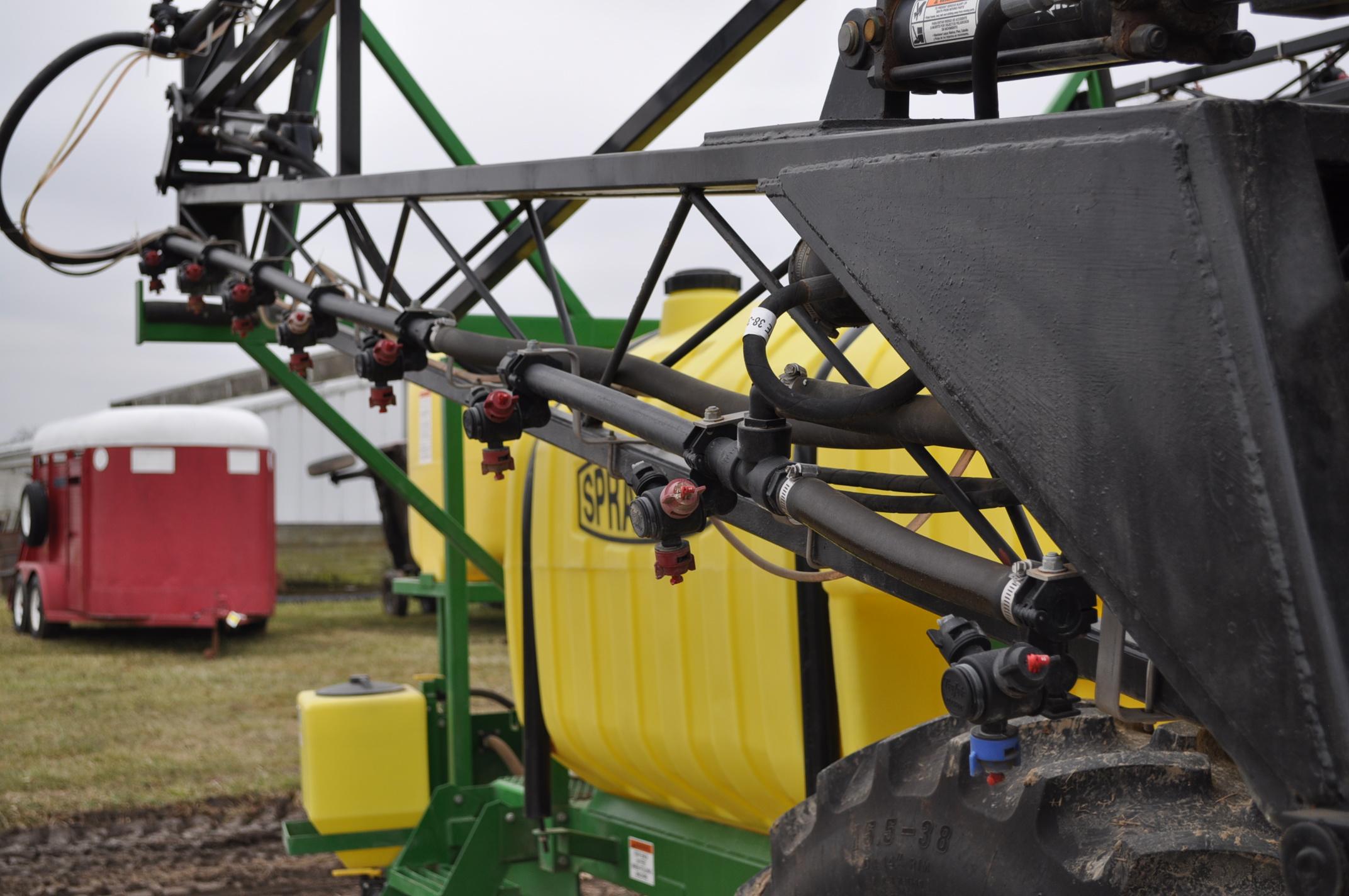 60' Spray King 1090 sprayer, 1000 gal poly tank, 100 gal rinse tank, foam marker, inductor, hyd - Image 13 of 21