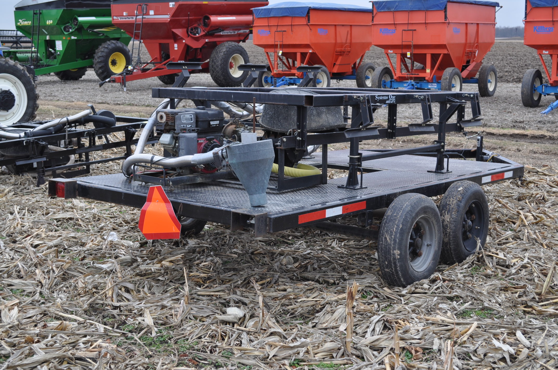 Yetter Seed Jet II air transfer seed tender, holds 2 pro boxes, Briggs & Stratton gas engine, on - Image 3 of 9