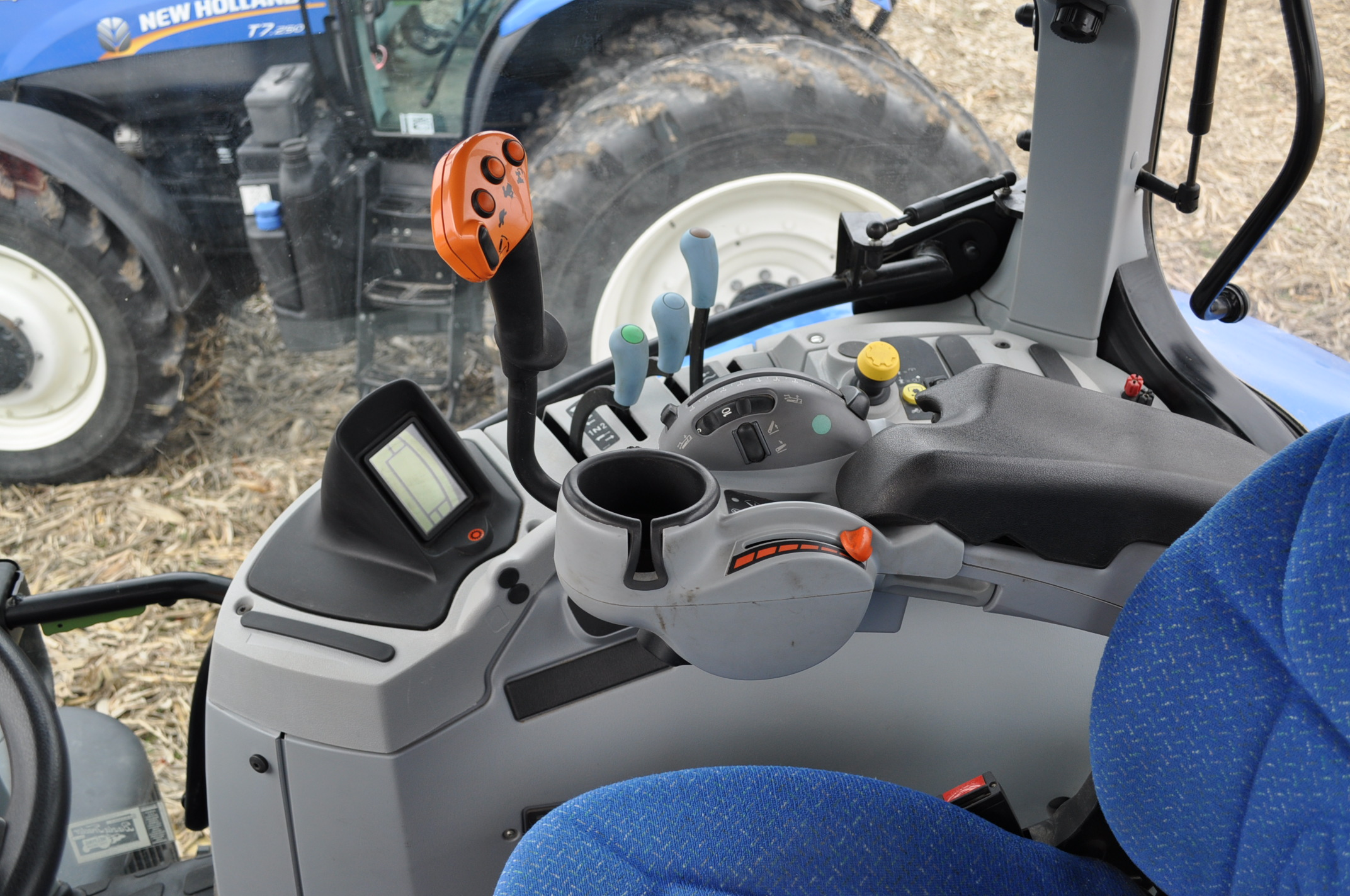New Holland T7.210 MFWD tractor, 460/85 R 42 rear, 380/85 R 30 Firestone front, Super Steer - Image 16 of 24