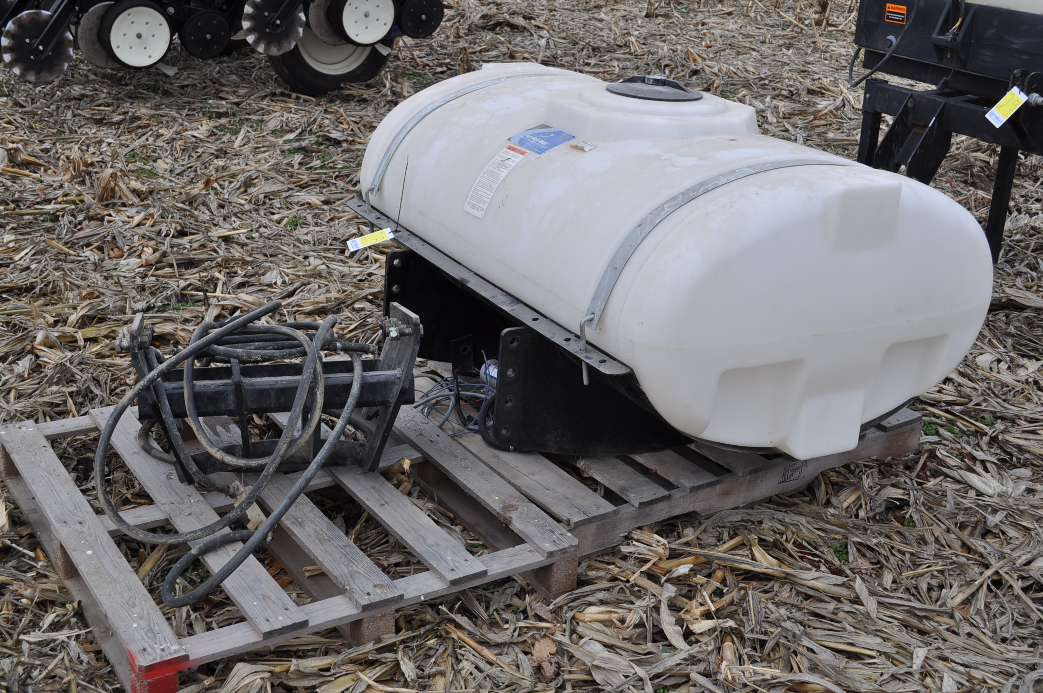 200 gallon front mount tankfor New Holland T7 tractor, poly tank, brackets for SuperSteer or - Image 2 of 7