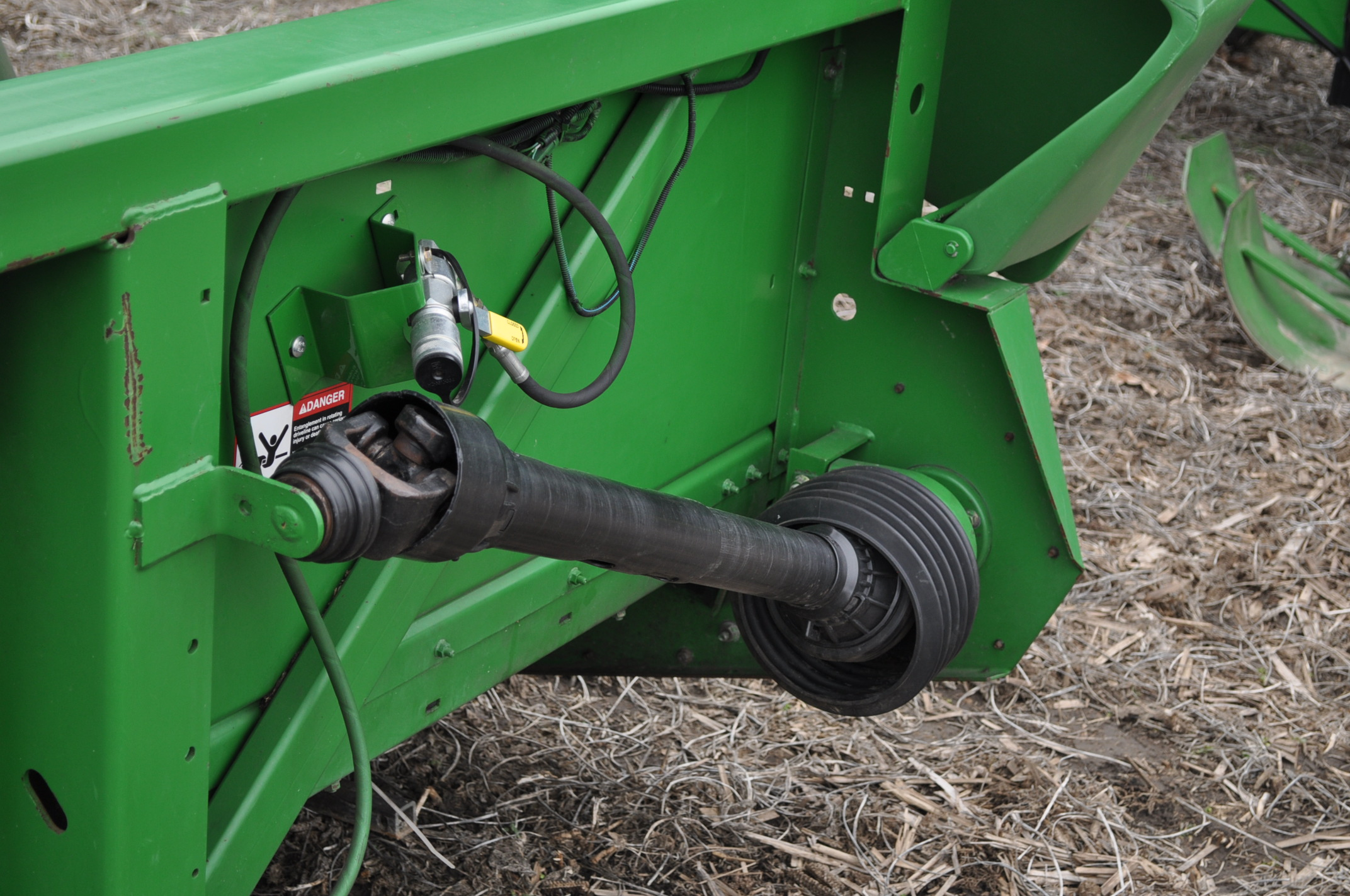 John Deere 693 corn head, poly, fluted rolls, hyd deck plates, pto shafts, SN 710815 - Image 13 of 14