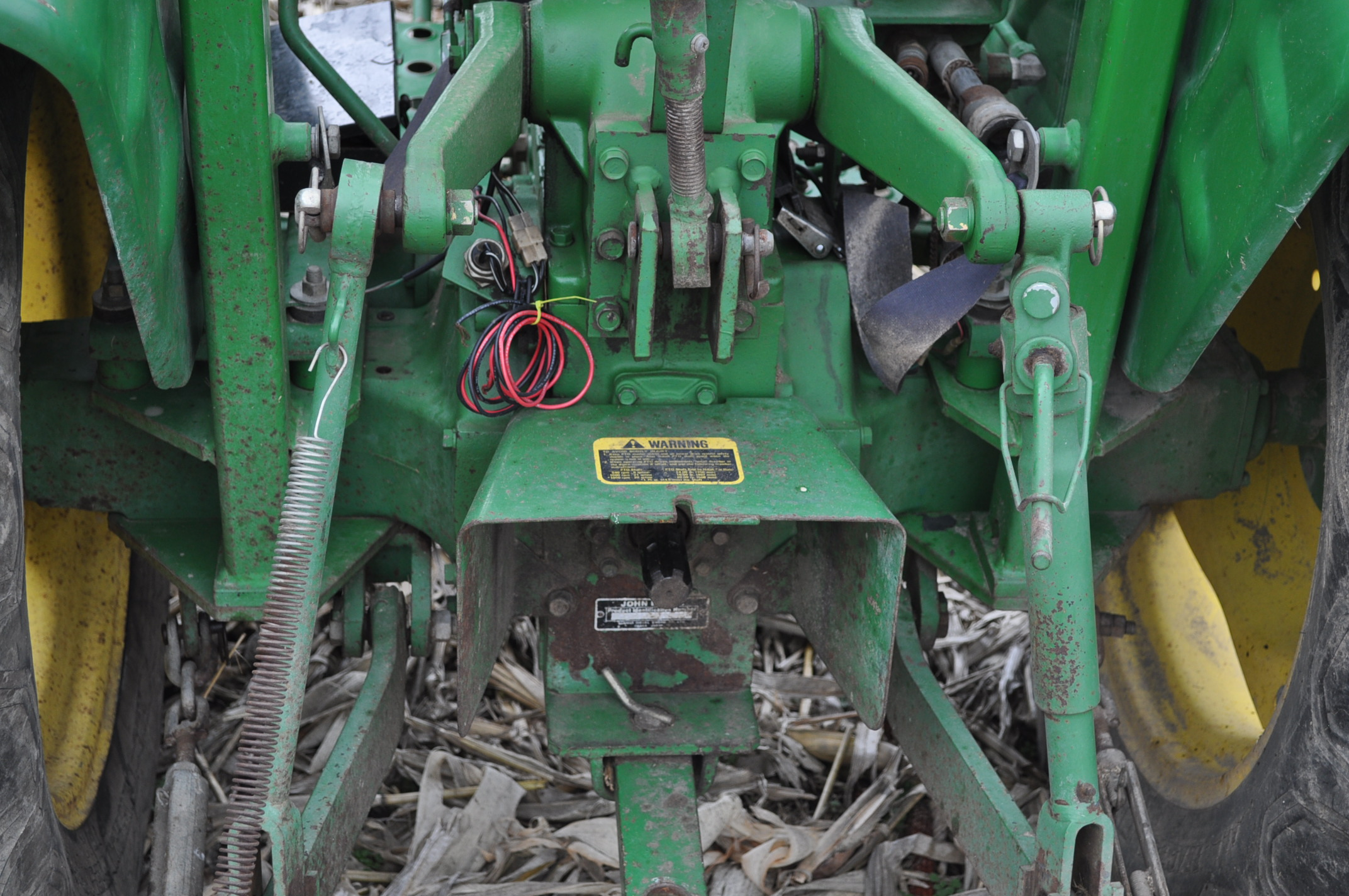 John Deere 850 utility tractor, diesel, 12.4-24 rear, 5.00-16 front, 2 hyd remotes, 3 pt, 540 pto, - Image 9 of 13