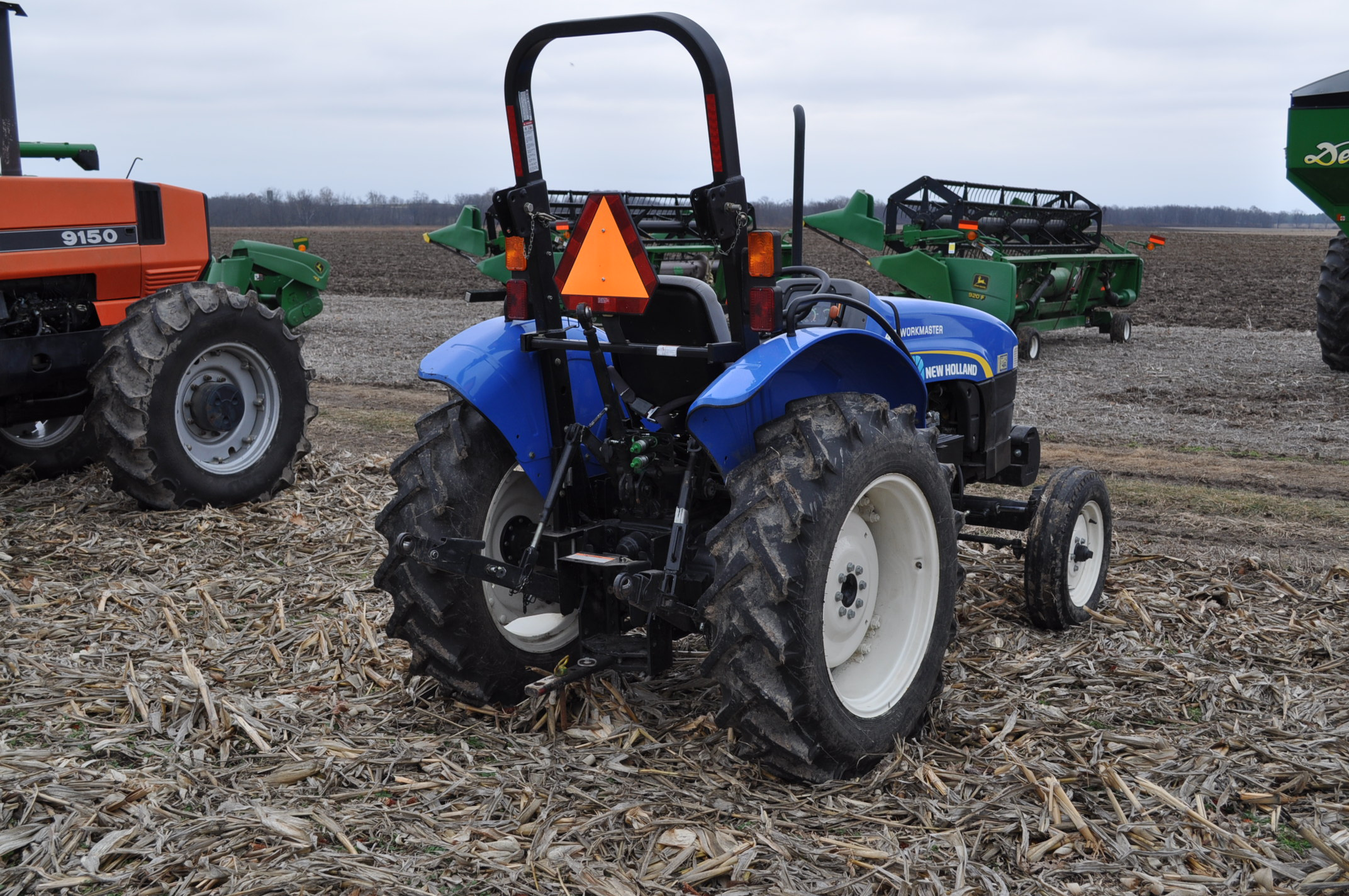 New Holland Workmaster 45 tractor, front wts, 12.4/11-28 rear, 6.00-16 front, shuttle shift, diesel, - Image 3 of 14