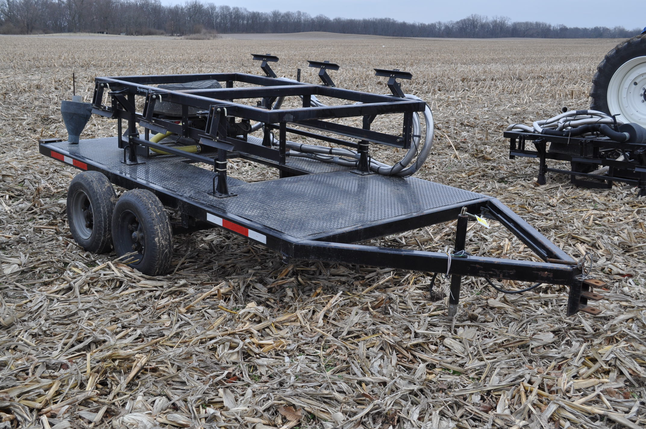 Yetter Seed Jet II air transfer seed tender, holds 2 pro boxes, Briggs & Stratton gas engine, on - Image 4 of 9