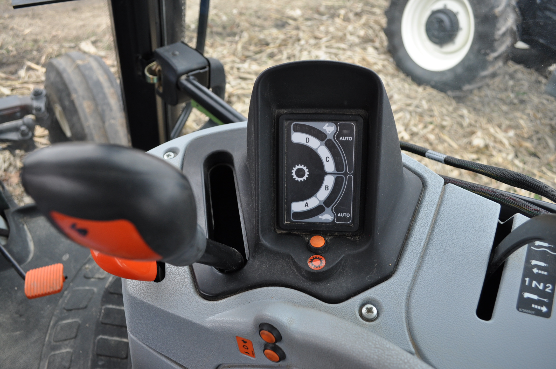 New Holland T6030 tractor, CHA, 16.9 R 38 tires, 11.00-16 front, 6 front wts, 3 hyd remotes, 3 pt, - Image 15 of 21