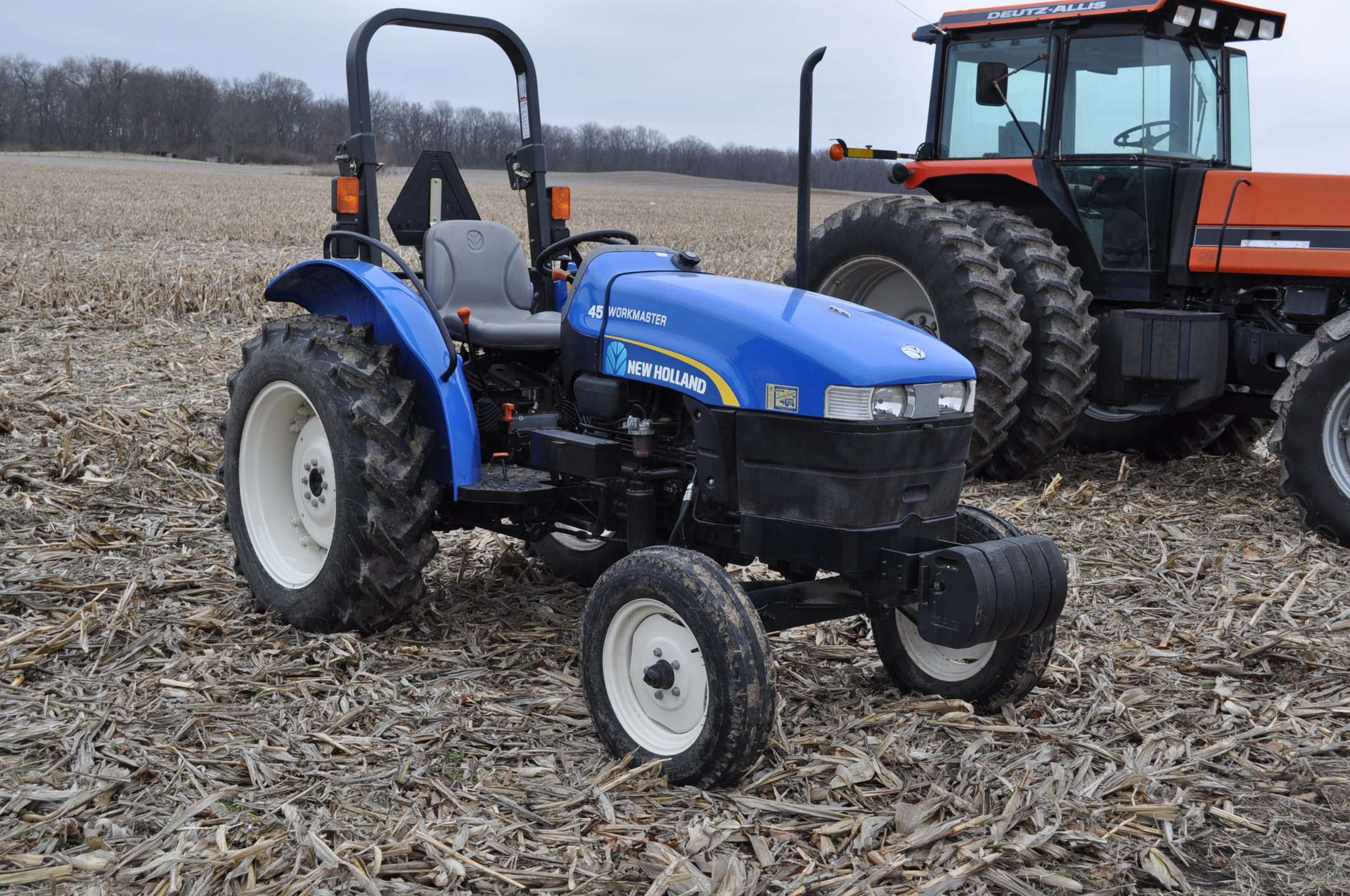 New Holland Workmaster 45 tractor, front wts, 12.4/11-28 rear, 6.00-16 front, shuttle shift, diesel, - Image 4 of 14