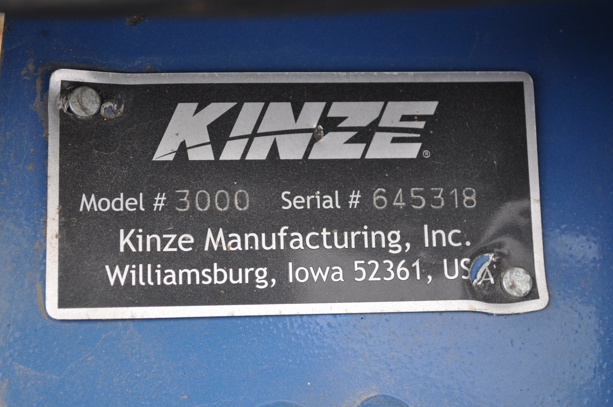 Kinze 3000 planter 4/7 planter, boxes, no-till, pull-type, ground drive, markers, rubber closing - Image 5 of 14