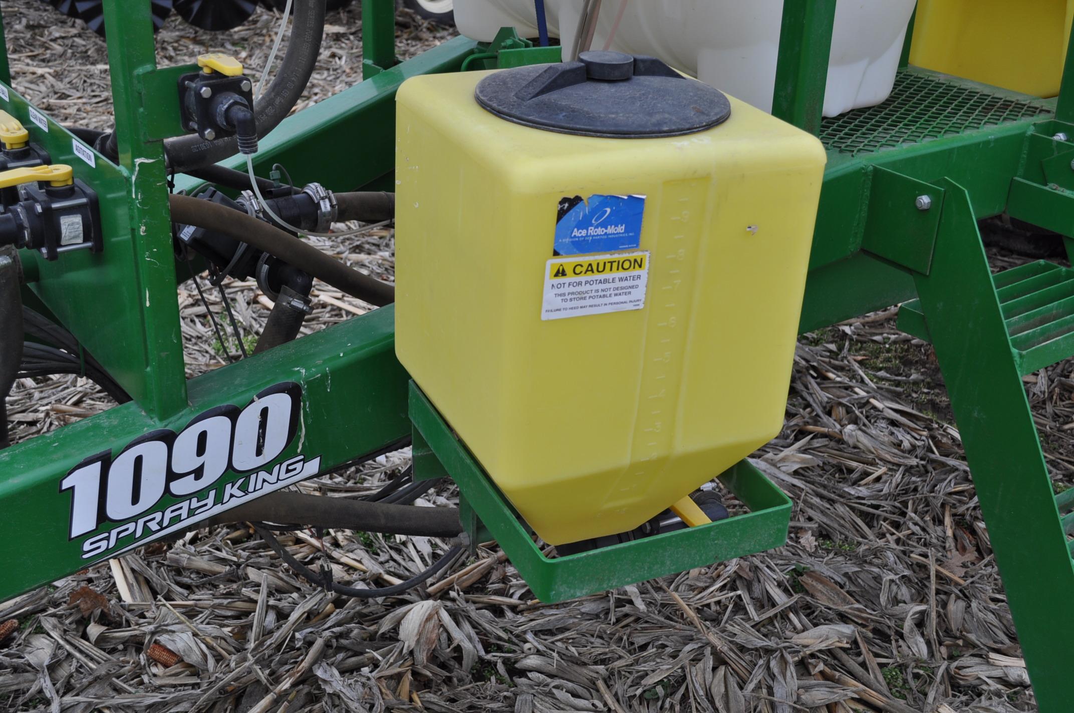 60' Spray King 1090 sprayer, 1000 gal poly tank, 100 gal rinse tank, foam marker, inductor, hyd - Image 8 of 21
