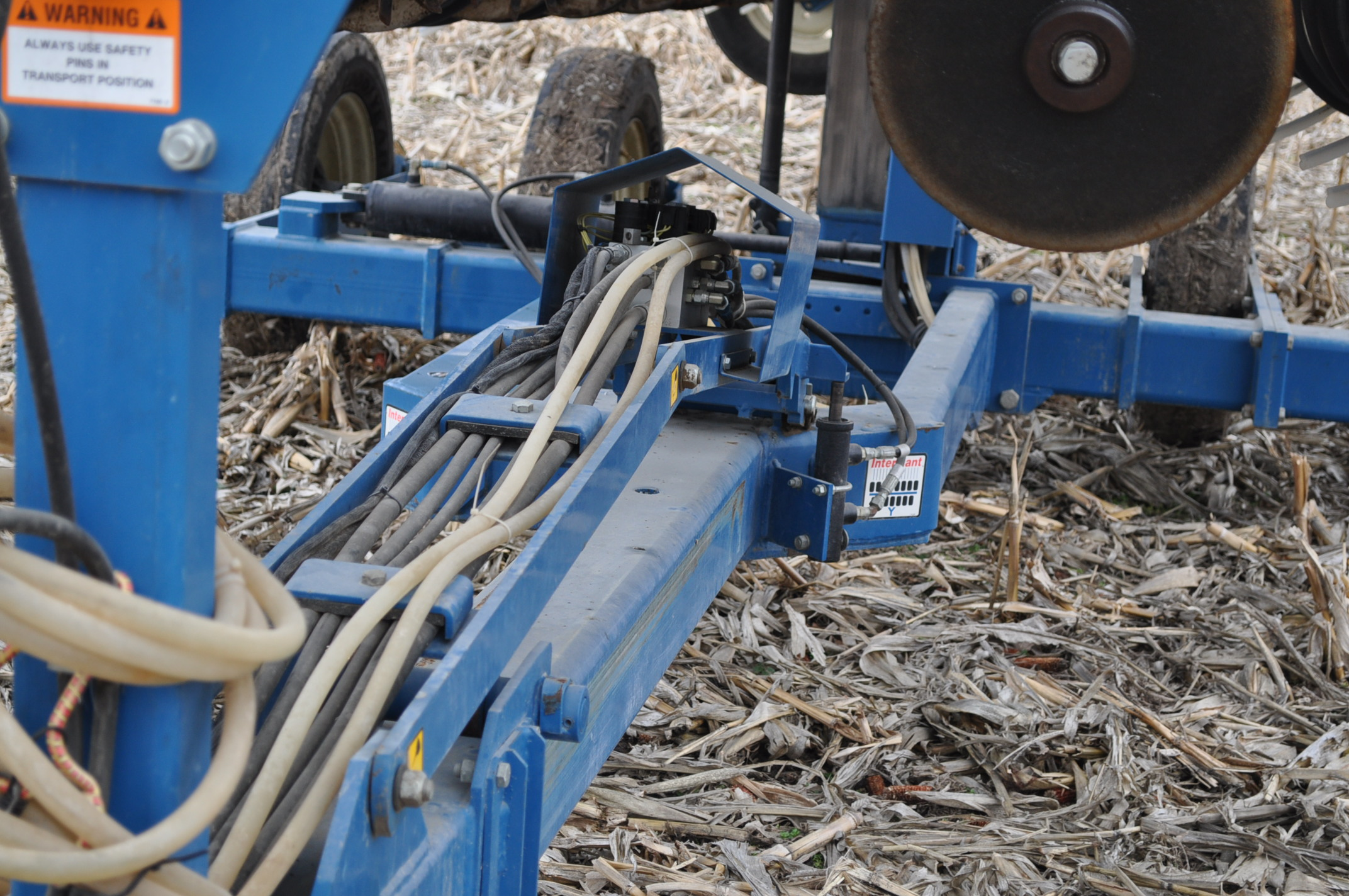 Kinze 3600TR planter, 12/24 twin row, Martin row cleaners, markers, finger pick up, cast closing - Image 18 of 20