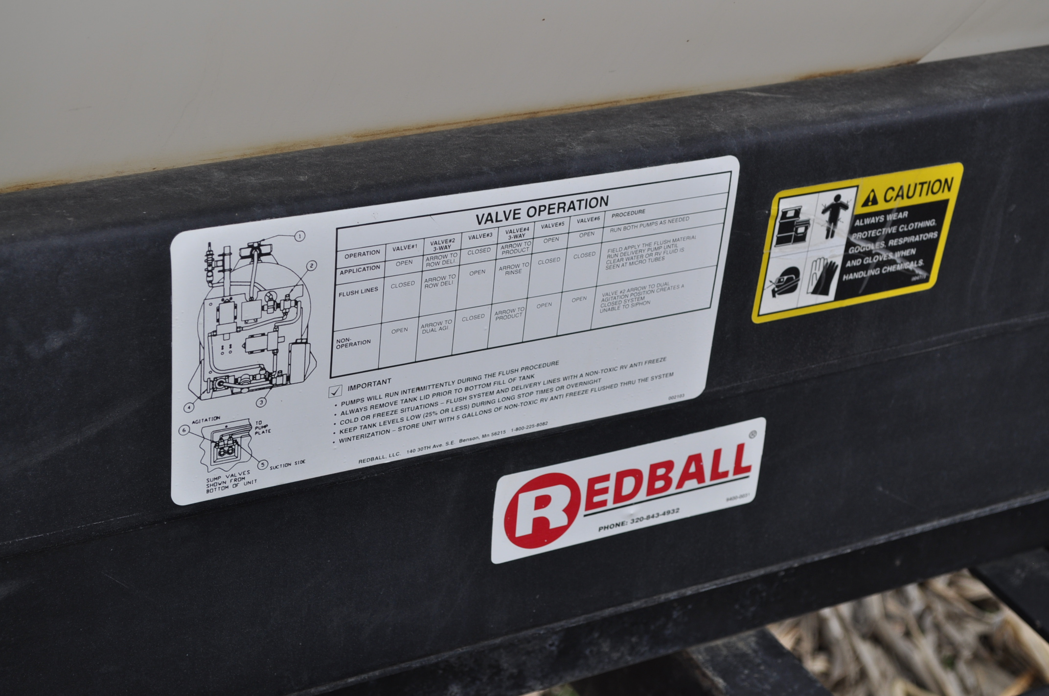 Redball 110 gallon poly tankw/ 12 volt pump, 3 pt. - Image 8 of 10