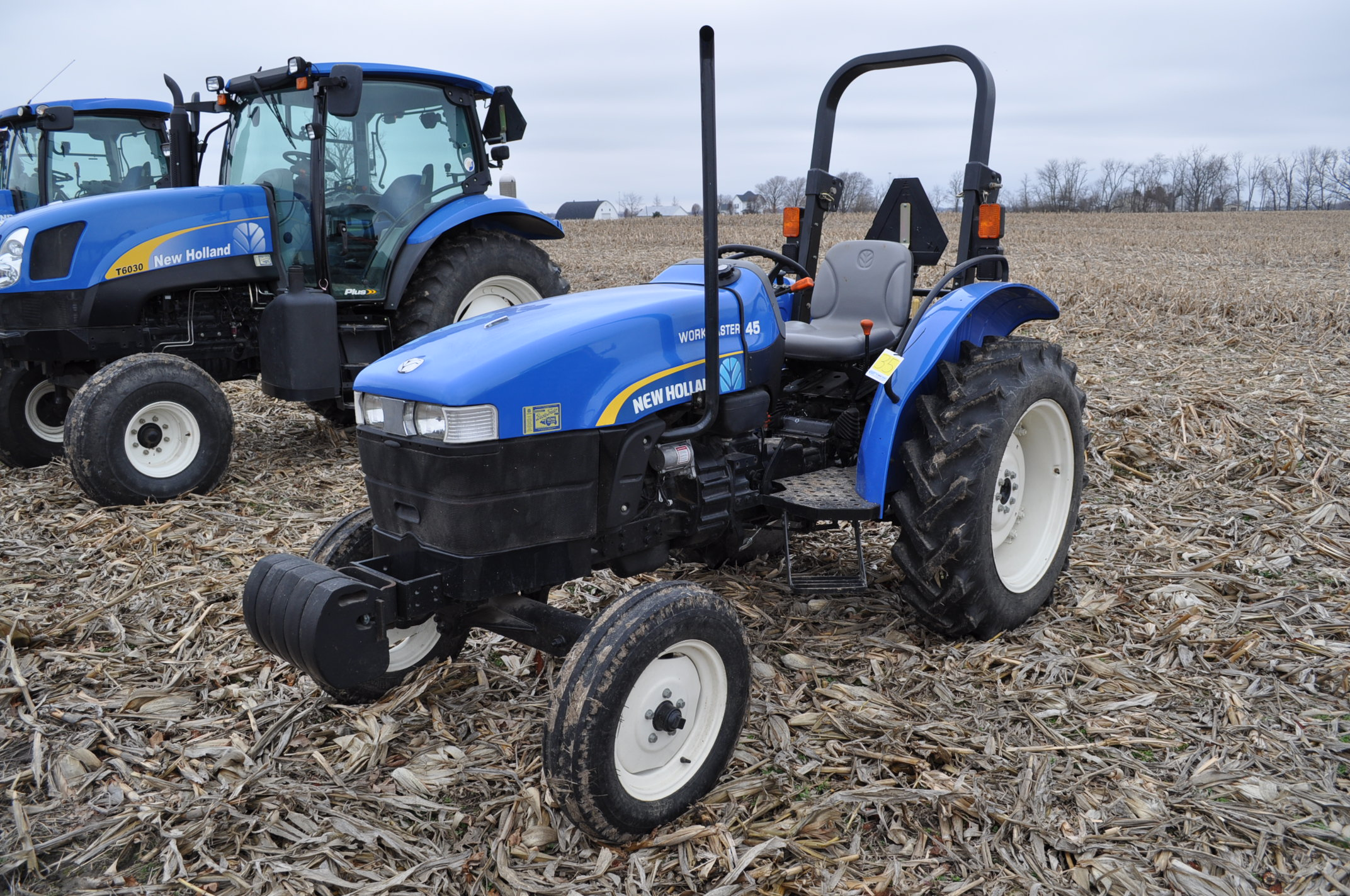 New Holland Workmaster 45 tractor, front wts, 12.4/11-28 rear, 6.00-16 front, shuttle shift, diesel,