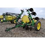 Spray King 28% applicator, 11 coulters w/ knives, 850 poly tank, SS hyd pump, spot spray nozzles