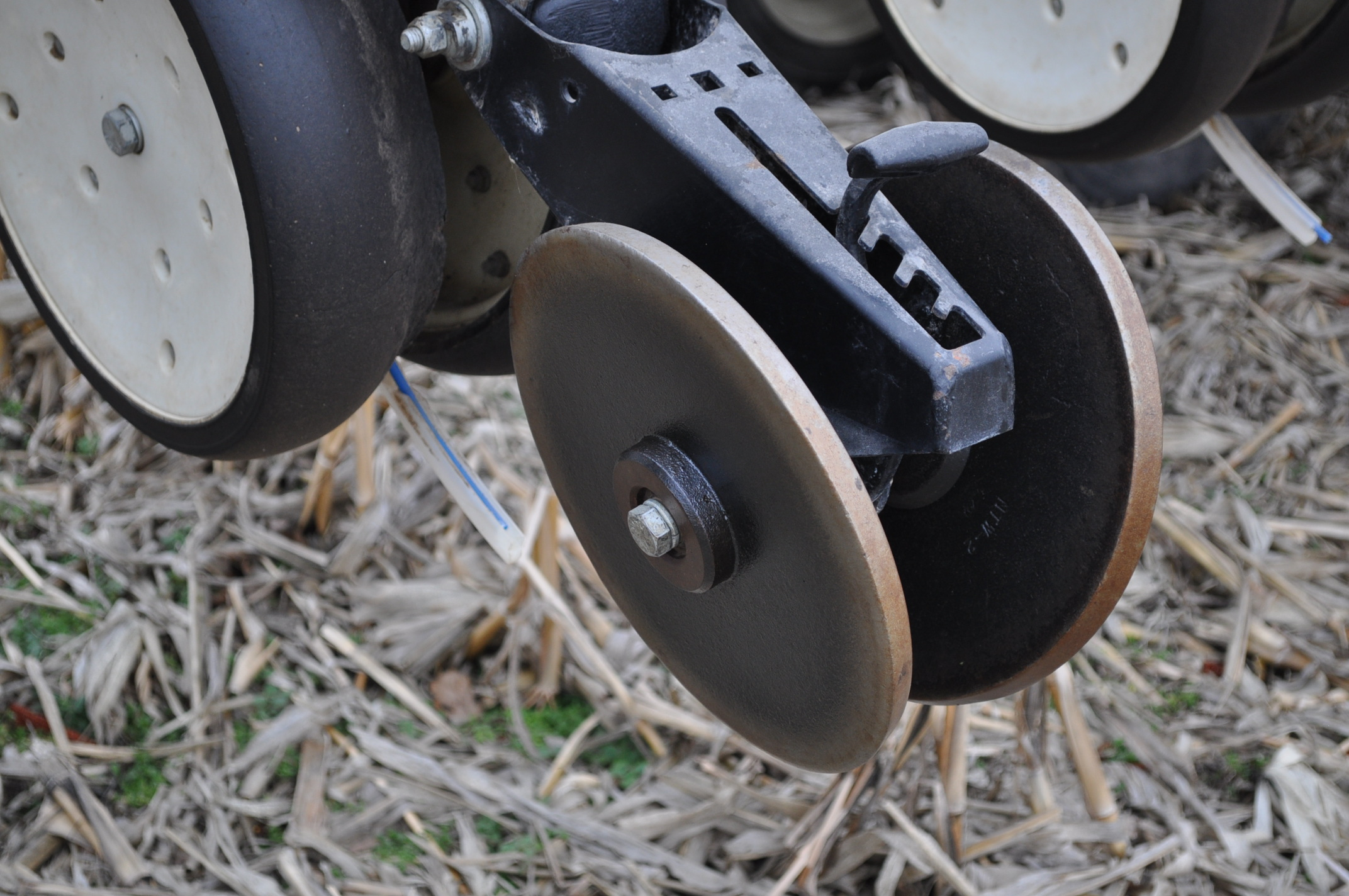 Kinze 3600TR planter, 12/24 twin row, Martin row cleaners, markers, finger pick up, cast closing - Image 8 of 20