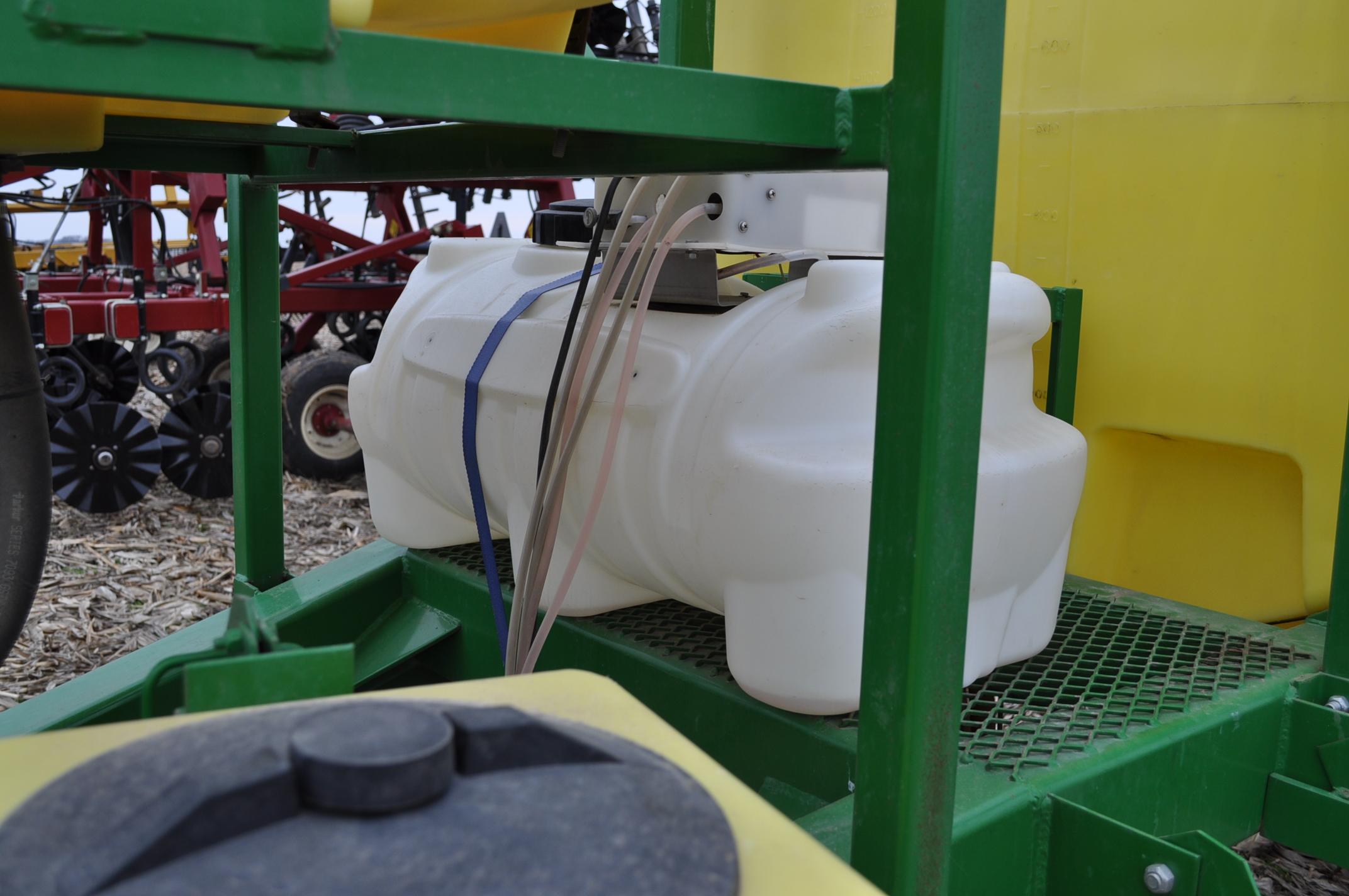 60' Spray King 1090 sprayer, 1000 gal poly tank, 100 gal rinse tank, foam marker, inductor, hyd - Image 9 of 21