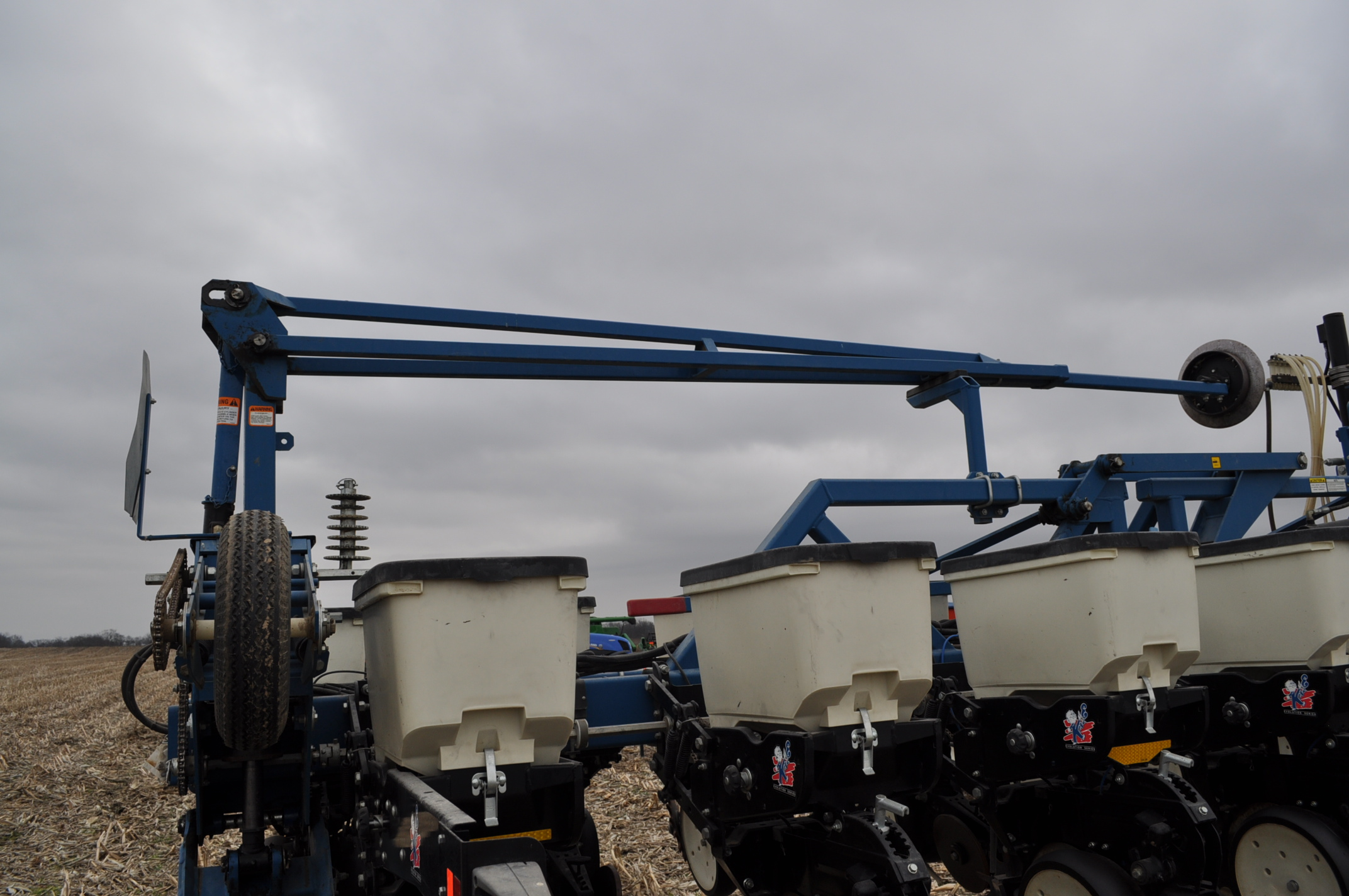 Kinze 3600TR planter, 12/24 twin row, Martin row cleaners, markers, finger pick up, cast closing - Image 15 of 20