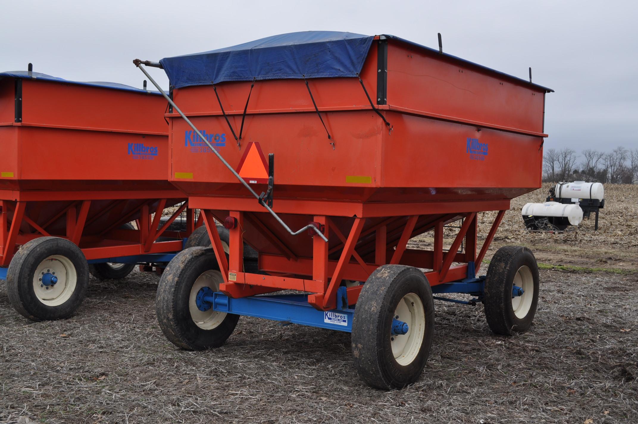 Killbros 385 gravity bed wagon, tarp, steel rails, Killbros 1386 gear, 11 R 22.5 tires - Image 3 of 7