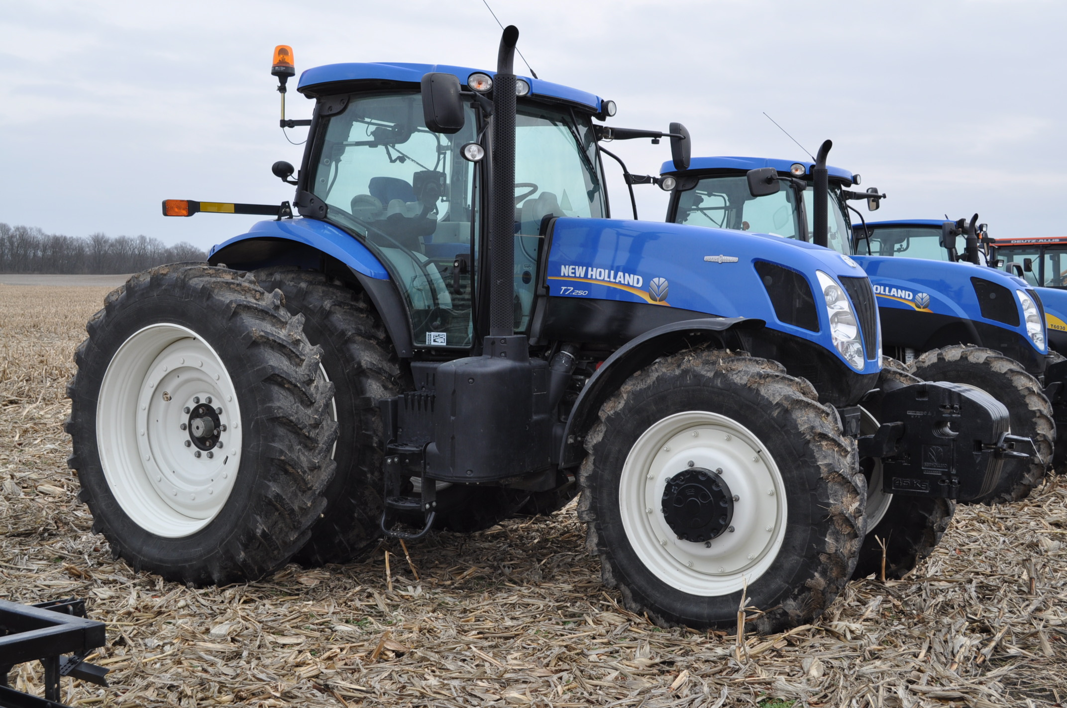 New Holland T7.250 tractor, 480/80 R 46 duals, Michelin 380/85 R 34 front, Super Steer, front wts, - Image 4 of 28